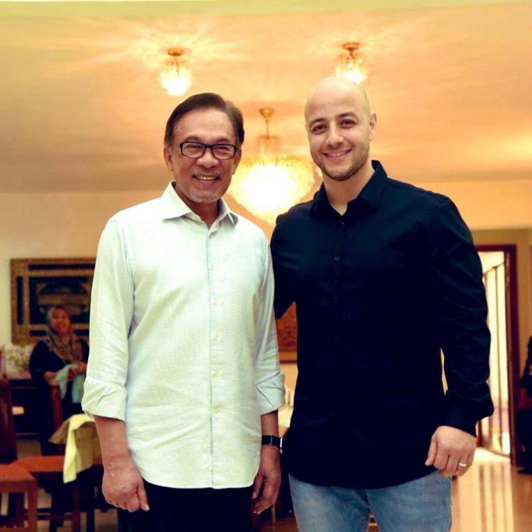 Anwar Ibrahim - Wan Azizah - Maher Zain