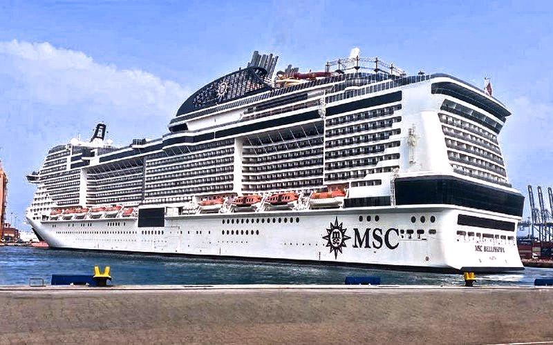 Super Cruise Ship